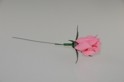 Rose on wire (plastic)