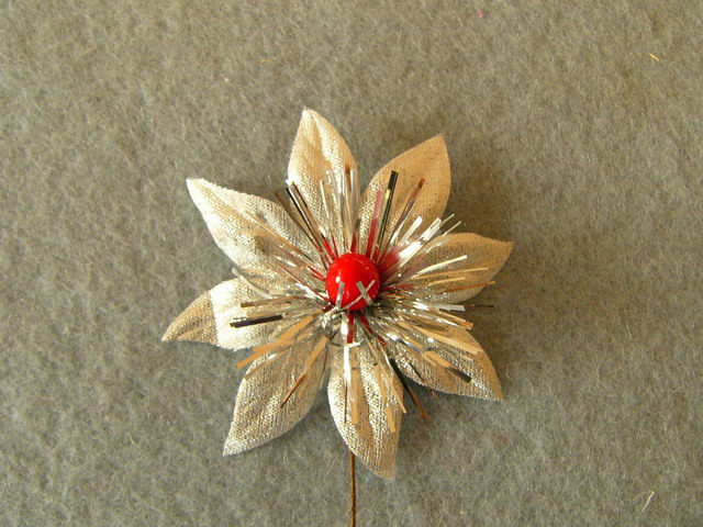 Christmas flower with pistil - Ø 6cm